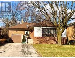 252 PARK HOME AVE, toronto, Ontario